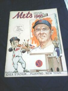 1968 New York Mets Yearbook near mint condition (see scan)