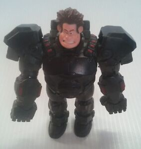 Disney WRECK-IT-RALPH - Ralph in Gaming Suit Hero's Duty - 8cm Poseable