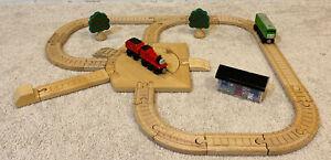 Thomas & Friends Wooden Railway Clickety Clack JAMES GOES BUZZ BUZZ 2001/02 Set!