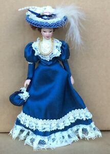 1:12 Scale Victorian Lady In A Blue Dress Tumdee Dolls House Miniature Doll D