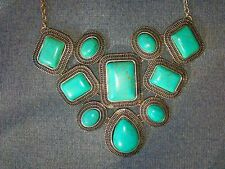 CLAIRE'S FASHION JEWELRY TURQUOISE GREEN COLOR STATEMENT NECKLACE AND EARRINGS