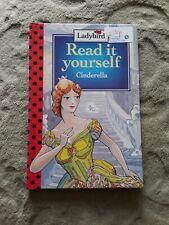 Ladybird Read it yourself Cinderella Level 3 Gloss