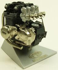 Kawasaki Motor Z1 (900) Maßstab 1/8 Handarbeitsmodell Standmodell Z202-1