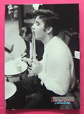 ELVIS PRESLEY, 1992 WERTHEIMER PHOTOS #282 CARD, 1956 RELAXNG ON THE DRUMS