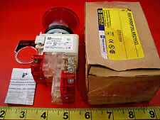 Square D 9001KR9P35LRR21H33 Pushbutton Switch Push/Pull 9001KM35LR Red Nib New