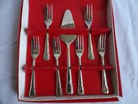 VINTAGE SILVER PLATED CAKE FORKS X 6 & SLICE SHEFFIELD BOXED