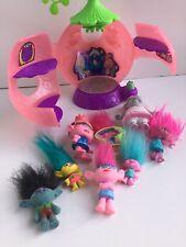 2015 Hasbro Trolls Poppy's Hair Salon and Troll Doll Action Figures