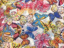 coupon de tissu  voile polyviscose  fond blanc   papillons   3.00 m ;ref  pant