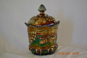 Northwood Grape & Cable covered sugar bowl------amethyst