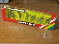 BRITAINS DEETAIL, WW2, 7 X U.S ARMY INFANTRY TOY SOLDIERS 1/32..IN ORIGINAL BOX.