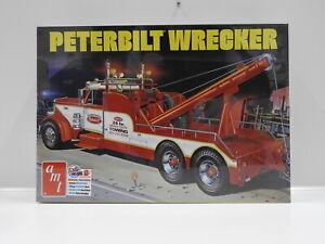 1:25 Peterbilt Wrecker AMT AMT1133