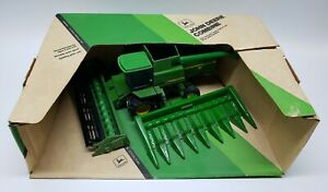 John Deere Titan ll Combine With Both Heads 1/16 Scale By Ertl Stock #582