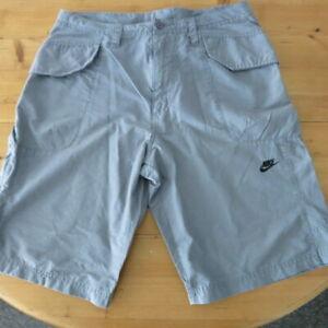 Mens Nike Cargo Style Lightweight Shorts - Large / 34 Waist