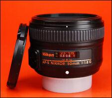 Nikon AF-S 50 mm F1.8G autofocus Premier objectif vendu avec avant et arrière Caps.