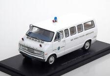 1:43 Neo Dodge Sportsman San Diego Police Ambulance white