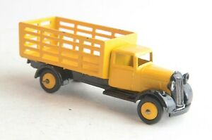 Dinky Toys No 25f Market Gardener's Truck - Mecccano - England - (B25) repainted
