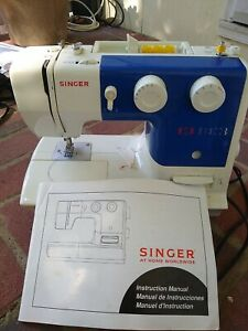 USED Singer 1725 Sewing Machine