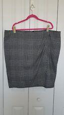 Lane Bryant size 26 (4X) black white front flap short skirt poly rayon spandex