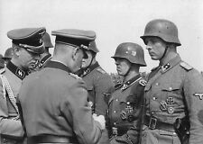 WW2 Photo, German Soldiers Medal Ceremony, WWII Germany World War Two  / 2131