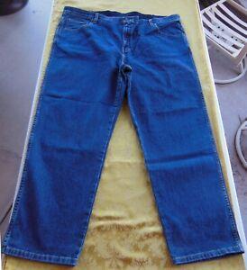 Mens Faded Glory Classic Fit Straight Leg Blue Denim Jeans Stretch - Size 46x30