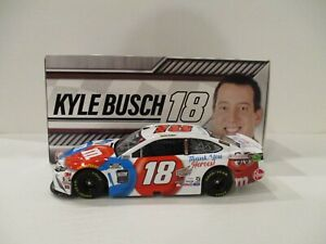 KYLE BUSCH  ..  signed 2020 .. M&M's .. THANK YOU HEROES .. 1/24 CAR