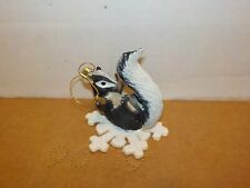 Charming Tails Silvestri Ornament Skunk On Snowflake (Loose No Box) 2A