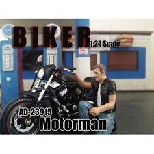 BIKER MOTORMAN FIGURE 1:24 MODEL BY AMERICAN DIORAMA 23915
