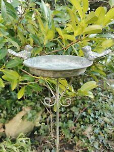 Dekorative kleine Vogeltränke Vogelbad Futterplatz  Gartenstecker grau shabby