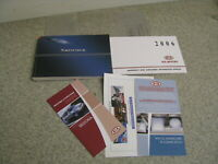 2006 06 KIA SEDONA OWNER'S MANUAL SET BOOK - FREE SHIPPING - OM107