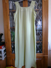 PALE GREEN SLEEVELESS SUN DRESS 10-12 **GC**