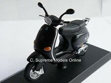 VESPA 125 ET4 SCOOTER MODEL MOPED BIKE 1996 BLACK ISSUE 1:18 SCALE MAISTO K8Q