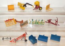 TRAC10 - Britains lot of plastic and diecast tractor attachments