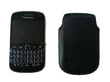 BlackBerry Bold 9900 - 8GB - Black Smartphone with case & 2GB Micro SD