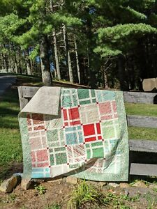 Handmade Quilt for Christmas-Throw Quilt-Christmas Quilt- Holiday Throw Quilt