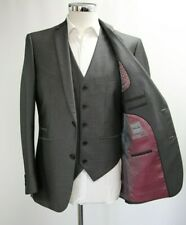 Men's Fellini Charcoal Grey 3pc Suit (40R)..Sample 4505