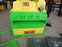 Super Rare! Vintage Creepy Crawlers Super Oven! Works! Extra molds. Nice!