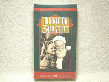 MIRACLE ON 34TH STREET - VHS - DIGITALLY MASTERED - CHRISTMAS CLASSIC - NEW