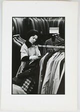 VINTAGE ORIGINAL IMAGE, STREET PHOTOGRAPHY, TWO WOMAN SHOPPING. 1960S.
