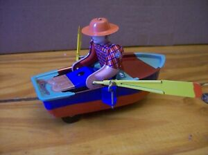 Wind-up Man In Row Boat No Key 5 Inches