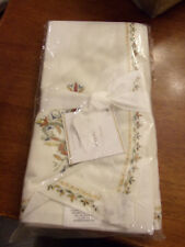 POTTERY BARN LUCCA FLORAL EMBROIDERED NAPKIN SET  (4)  NEW
