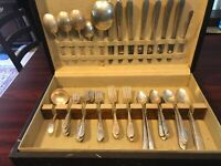 WM Rogers Silver plate 64 pieces /wood box Antique GARDENIA PATTERN Circa 1941