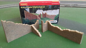 Hornby Skaledale R8726 OO scale pair of Ruins Castle Wall Joints - boxed