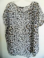 OVER SIZE LARRY LEVINE Womens Size Medium Top Animal Print Tunic
