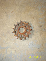 OEM FACTORY 06-10 Yamaha YZF-R600 YZF-R6 R6 Front Countershaft Sprocket
