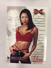 2001 Topps XFL Youn GIRLS ON FIRE # 89 New York New Jersey Hitmen