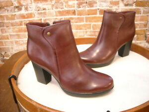 Clarks Burgundy Leather Halia Perch Ankle Boots 9 NEW