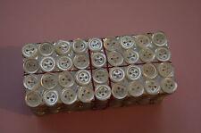 Une plaquette de 36 boutons de  nacre (4 trous), 8mm mercerie ancienne, couture