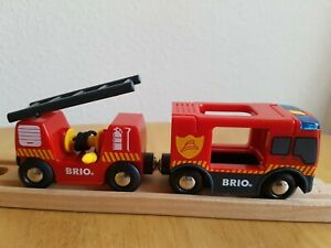BRIO Emergency Fire Engine Train with Lights & Sounds for Wooden Train Track vgc