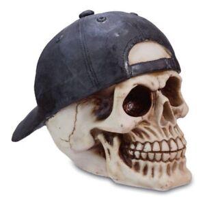 Totenkopf mit Cap