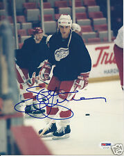 STEVE YZERMAN (Detroit RED WINGS) Signed 8 x10 PHOTO w/ PSA/DNA COA